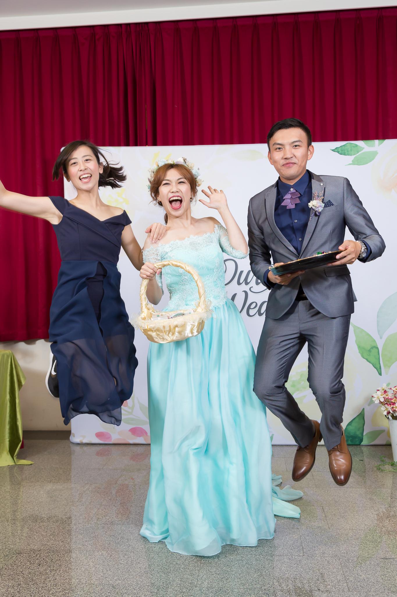 人的一生是由親情、愛情、友情建構而成,因為有感情,讓我們的生活變得有滋有味,凱勛&雅琪身邊有這麼多愛他們的人的祝福,未來一定會比現在更幸福的唷!!! photo by 光合影像事務所 婚禮主持、婚禮企劃、迎娶儀式、歡笑聲